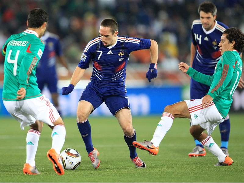 World Cup 2010 France 0 2 Mexico Raymond Domenech S Men On Brink Of Elimination After Manchester United Bound Javier Hernandez Inspires Mexican Win Goal Com