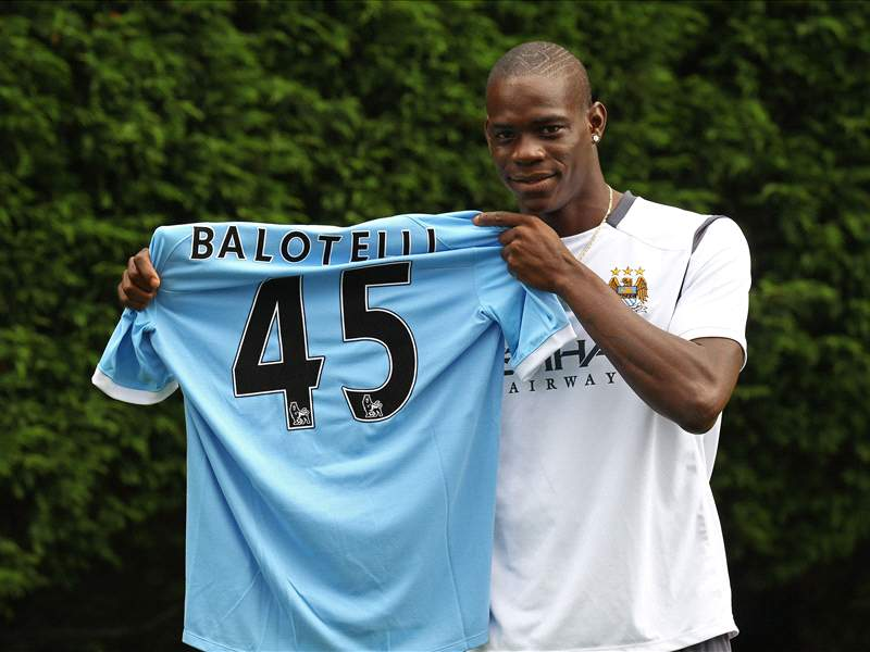 free shipping 53bdd b2cbb Mario Balotelli Should Have Joined Napoli - Inter Legend ...
