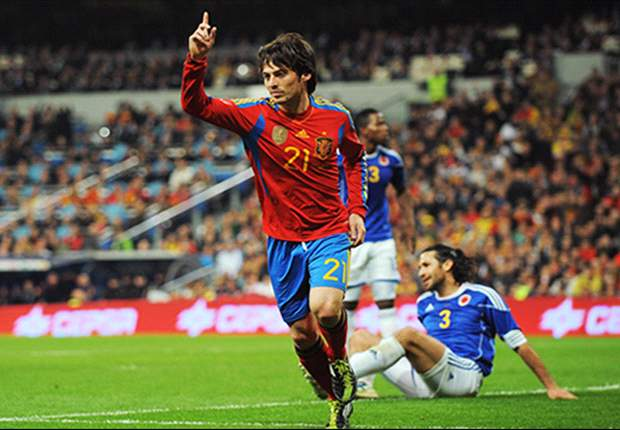 Spain 1-0 Colombia: Substitute David Silva grabs late winner to save lacklustre world champions
