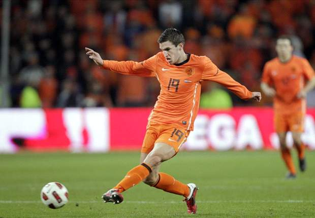 Finland 0-2 Netherlands: Kevin Strootman shines to send Dutch into Euro 2012 finals