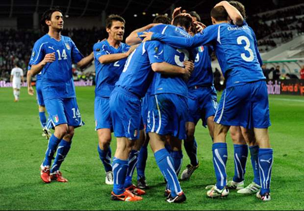 Italy 3-0 Estonia: Rossi, Cassano & Pazzini strike as Azzurri cruise to easy win