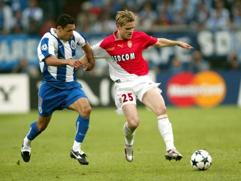 Porto, campeón de la Champions League 2003/04 al vencer a Monaco en  Alemania.   Goal.com
