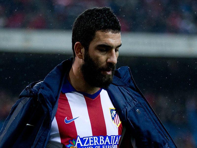 Arda Turan signs with Barcelona