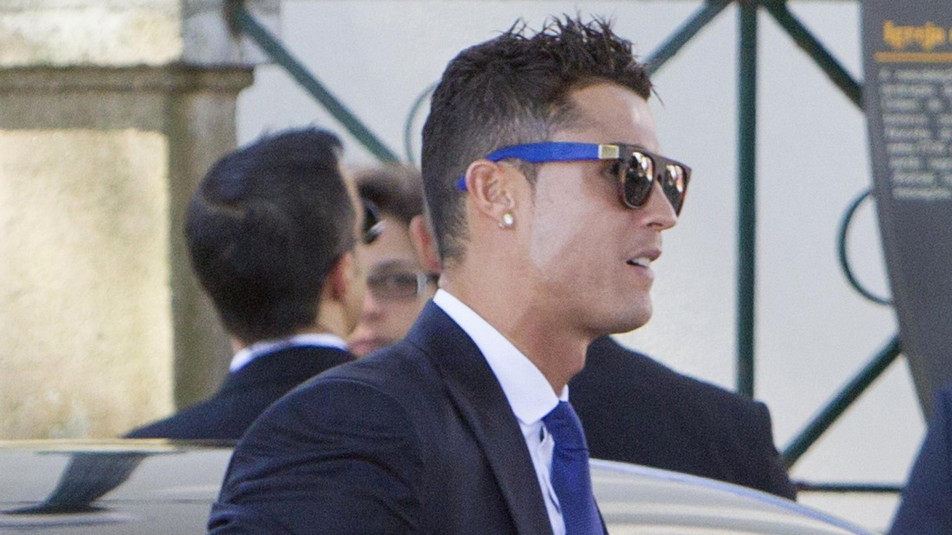 d68b0f898c Cristiano Ronaldo, James Rodríguez, Pepe y Florentino Pérez fueron a la  boda de Jorge Mendes