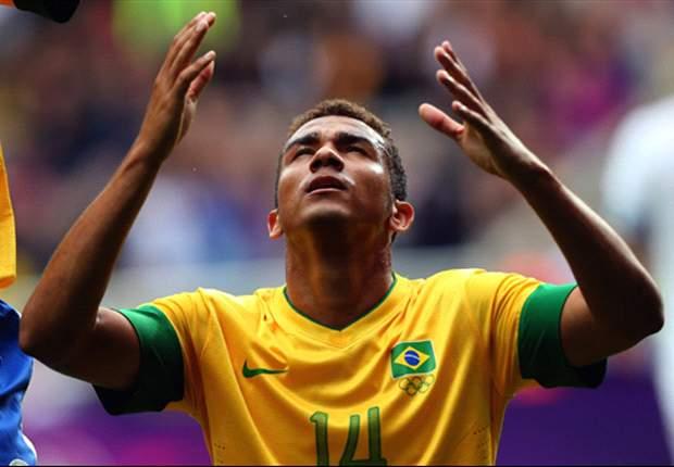 Brazil 3-0 New Zealand: Danilo, Damiao & Sandro seal Group C top spot