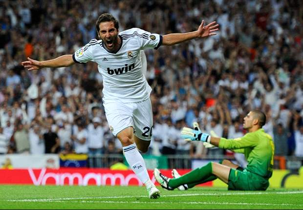 Real Madrid 2-1 Barcelona (Agg: 4-4, Madrid win on away goals): Higuain and Ronaldo seal Supercopa success