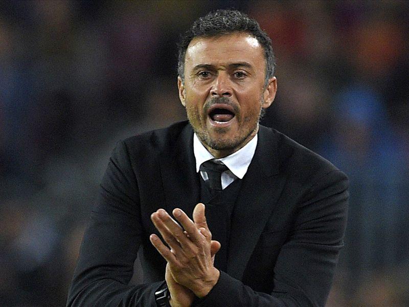 Barcelona News Luis Enrique Wins 2015 Coach Of The Year Goal Com