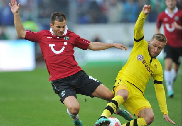 Hannover 1-1 Dortmund: Late Diouf goal leaves champions' title aspirations in tatters