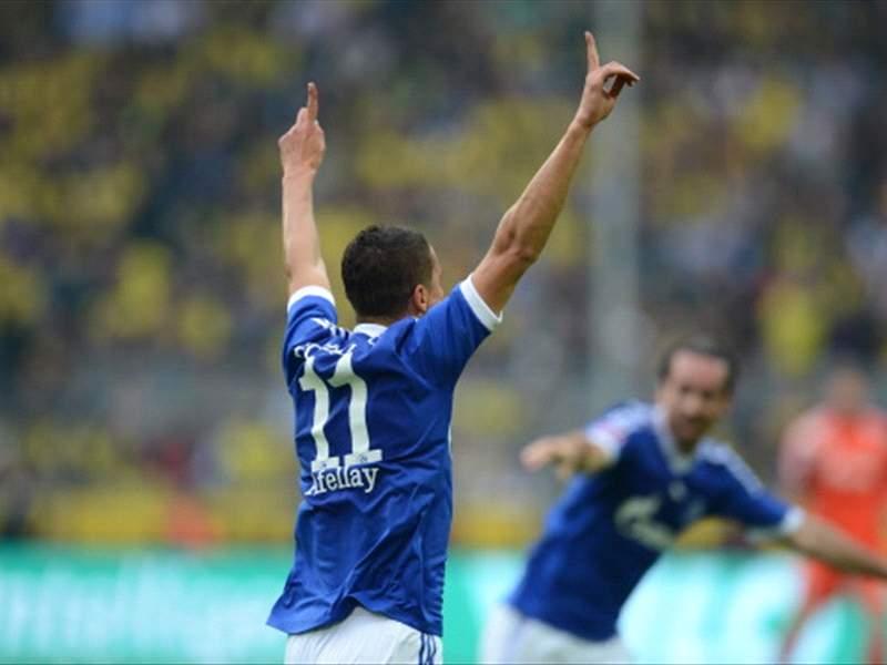 Schalke Tannenbaum.Hassans Corner Schalke Räumt Mit Zeckenspray Das Waffenlager Aus