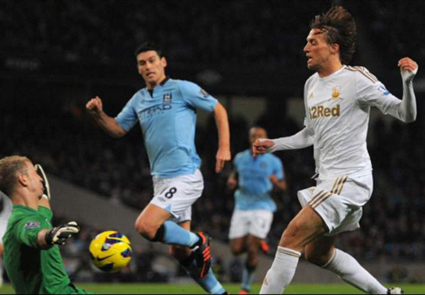 Arsenal 0-2 Swansea: Gunners booed off after late Michu double
