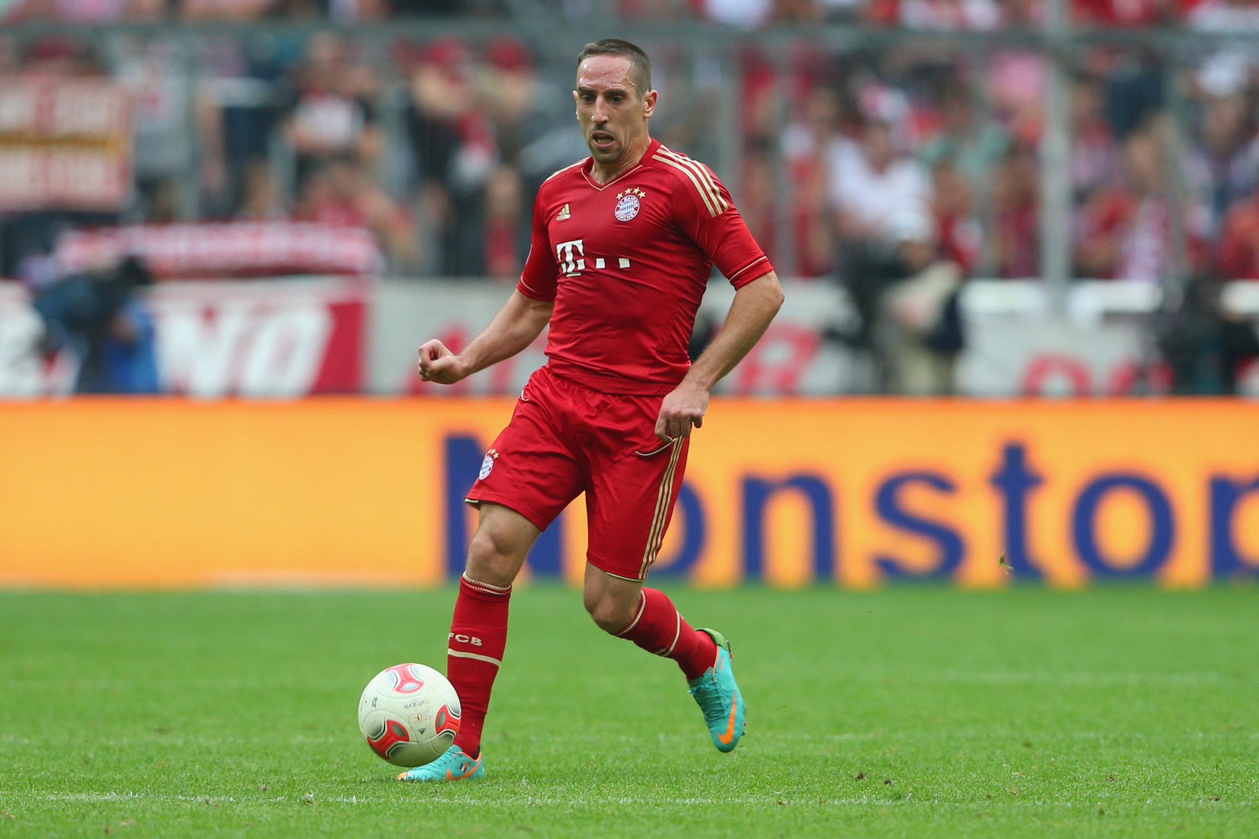 Bayern munich vs barcelona key battles franck ribery vs daniel franck ribery vs daniel alves voltagebd Images