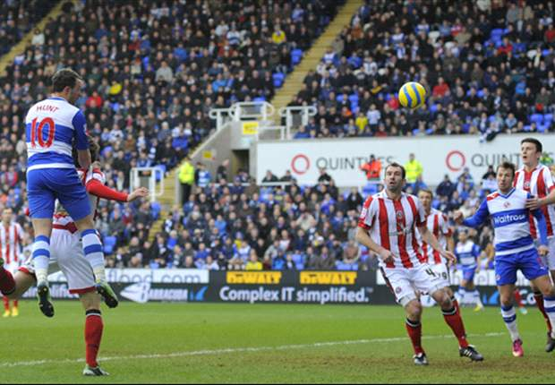 Reading 4-0 Sheffield United: Hunt bags twice to send McDermott's men through
