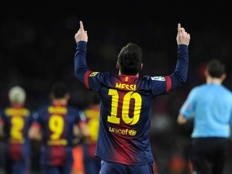 Who's the greatest? Messi v Maradona | Goal com