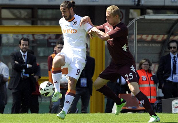 Serie A Round 32 Results: Fiorentina edge past Atalanta to maintain top-three hopes as Roma hang on against Torino