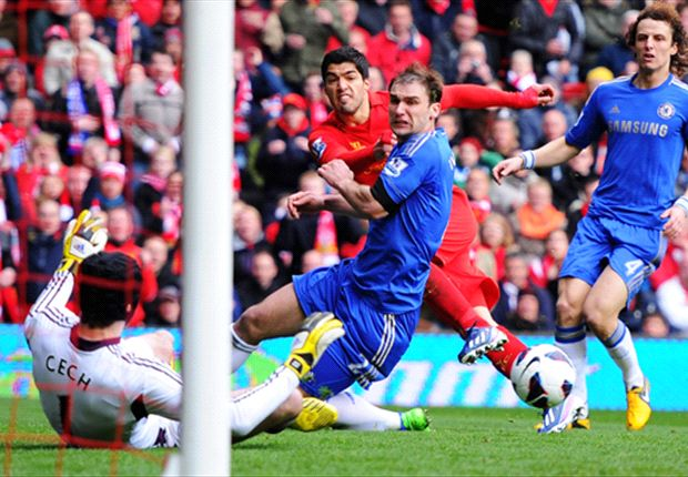 Liverpool 2-2 Chelsea: Luis Suárez, héroe y villano