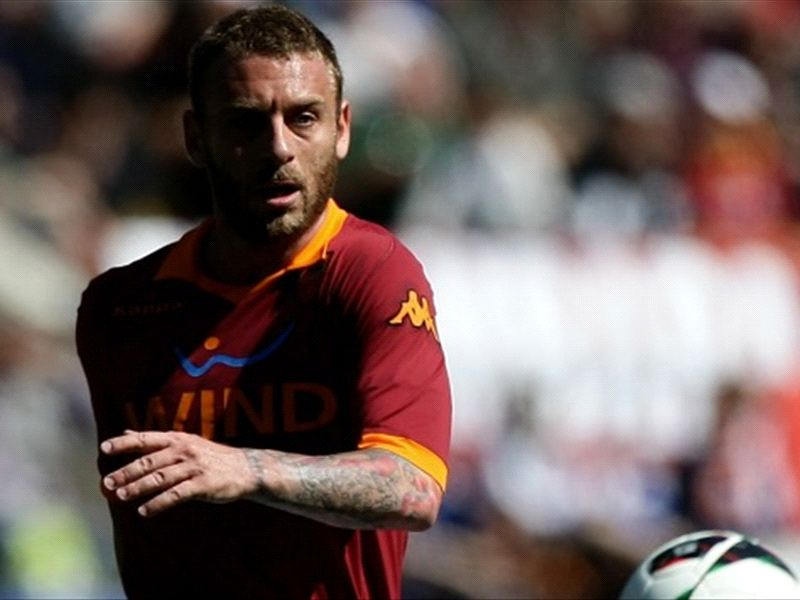 Real Madrid & Paris Saint-Germain rival Chelsea in race for De Rossi