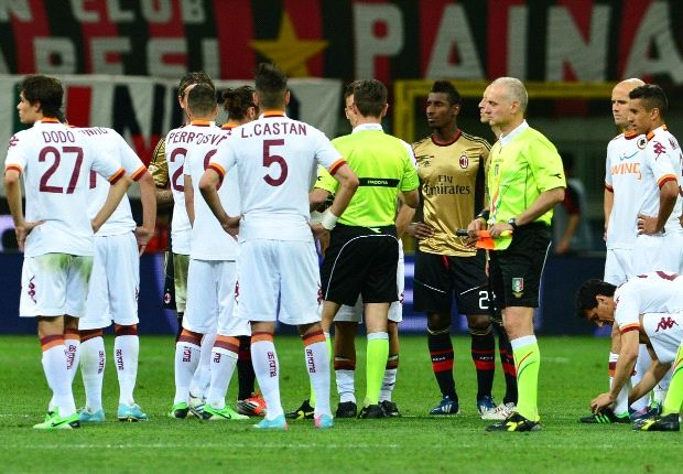 AC Milan 0-0 Roma: Match overshadowed by racist abuse directed at Balotelli