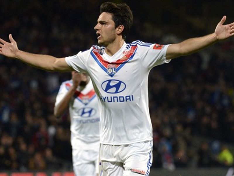 Aulas warns Arsenal that Grenier will cost the same as Gotze