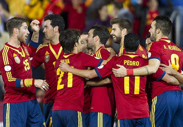 Spain 2-1 Belarus: Xavi and Negredo allow Roja one foot in Brazil