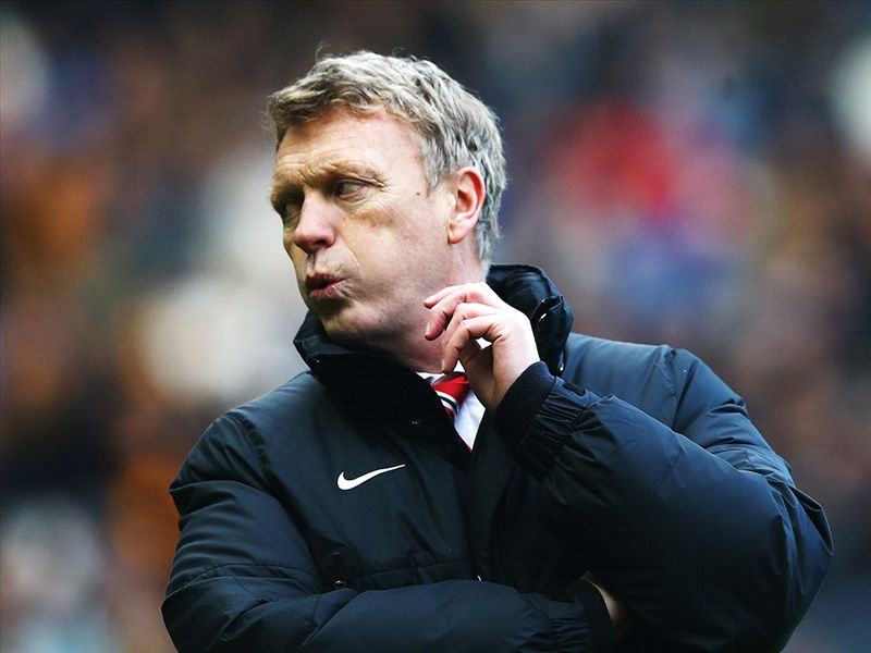 Moyes vows to ring changes and end Manchester United malaise