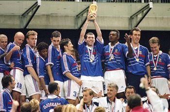 1998年W杯名場面:ジダン、パリ...