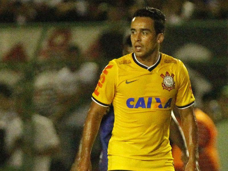 Jadson é alvo do Flamengo para a nova temporada