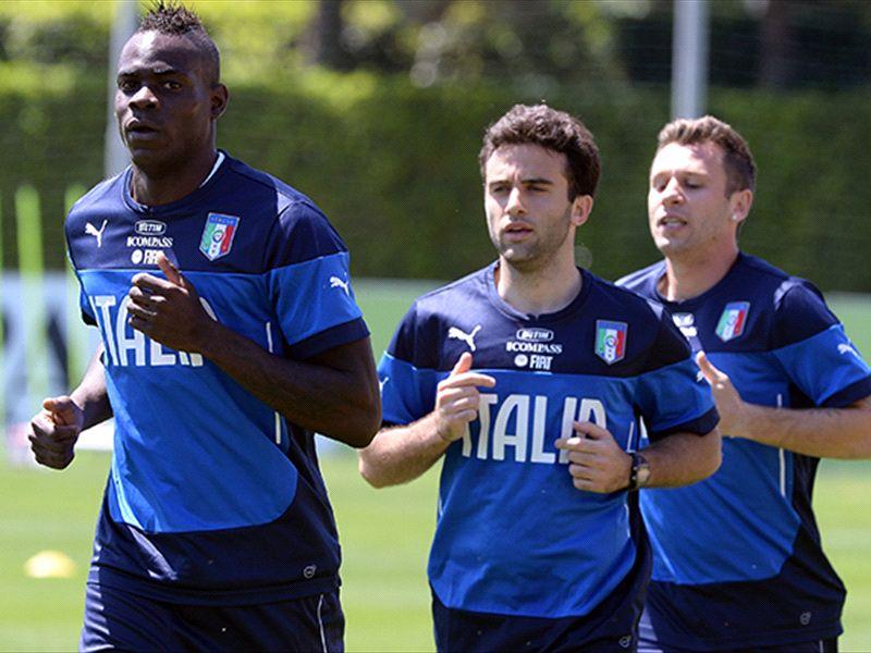 Balotelli racially abused at training camp