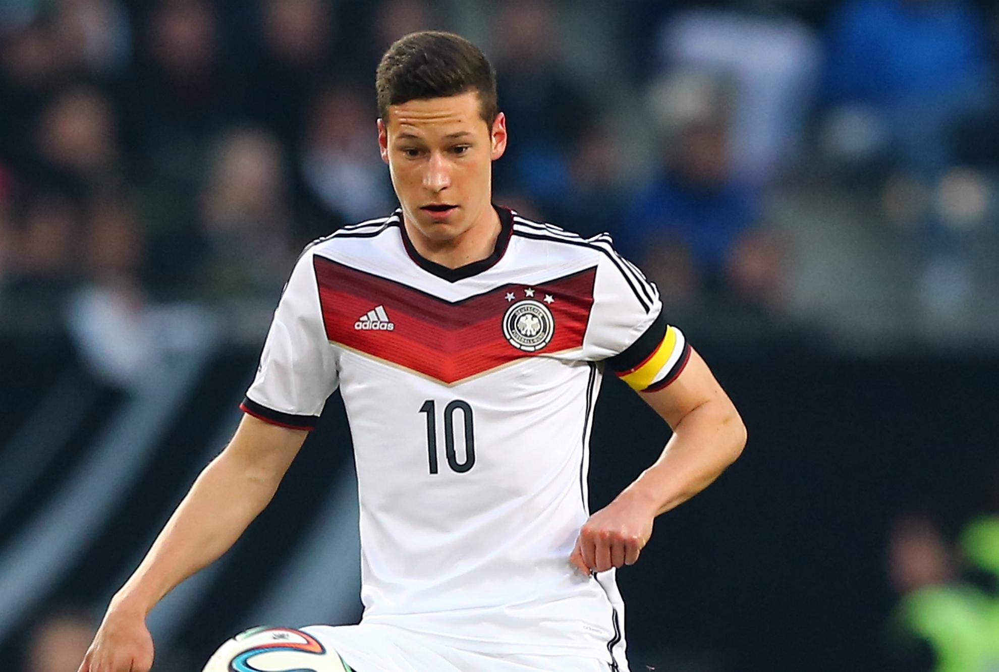 Wenger expects Ozil, Mertesacker and Podolski to miss start of season