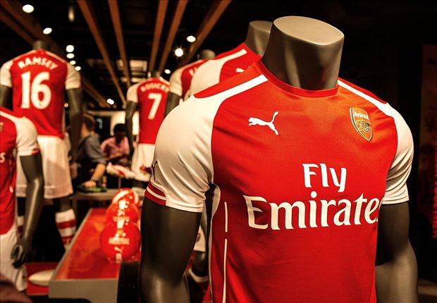 09fbf3f35 Inside the store, fans were also able to have their picture taken with the  Gunners' latest piece of silverware, the FA Cup.
