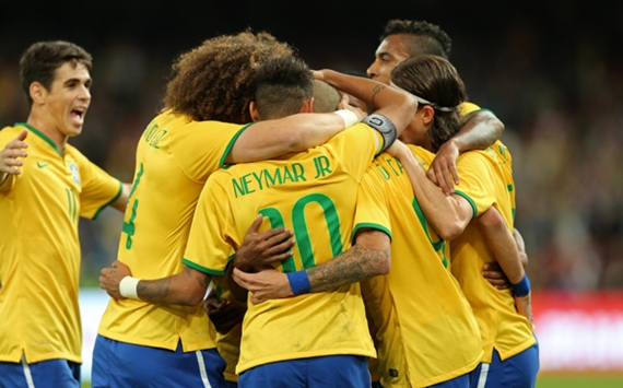 Celebrating Tardelli's goal   Brazil - Argentina   Superclásico de las Américas   11 10 2014