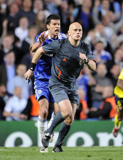 5 CL matches where the ref took centre stage