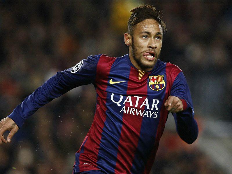 """""""Não sei se chegarei ao nível de Messi e Cristiano Ronaldo"""", diz Neymar"""